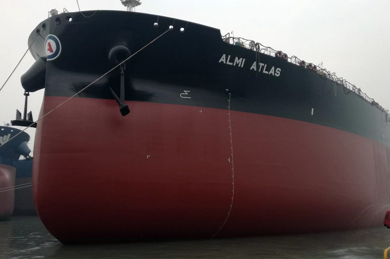 Hyundai Samho Heavy Industries deliver scrubber-equipped VLCC