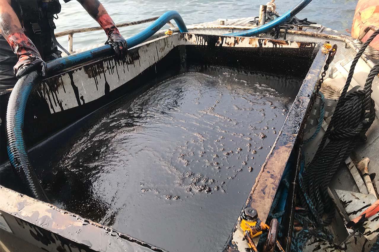 Swedish Coast Guard blocks marine passageway on LSFO spill
