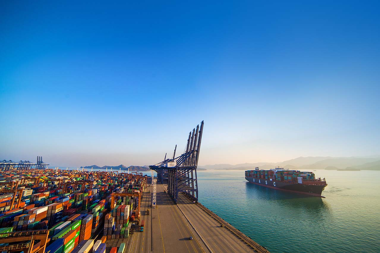 MAN Diesel to retrofit mega-container vessel with LNG DF engine