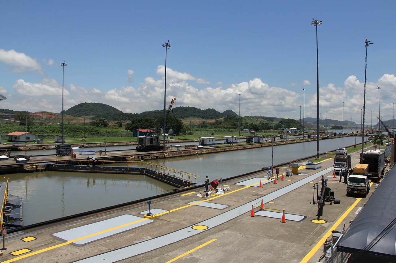Bunker sales volume at Panama Canal in February down 22% from previous year