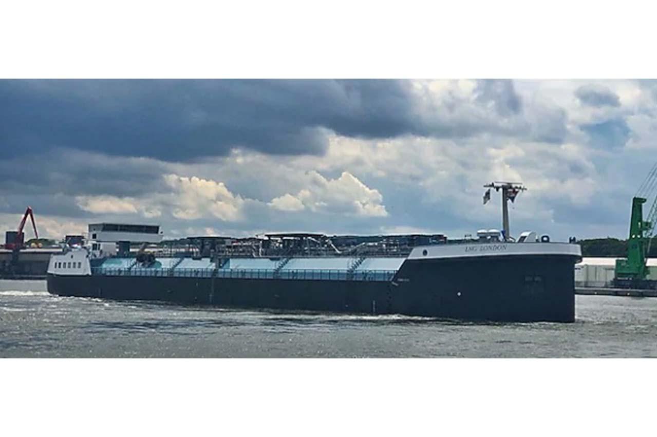 Europe: 'LNG London' bunkering vessel starts operations at Rotterdam