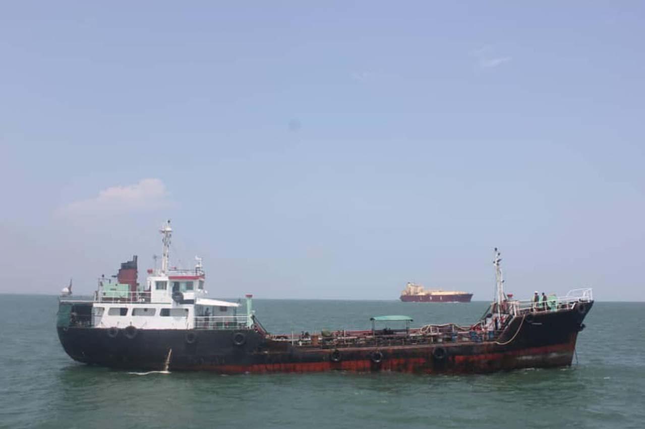 Malaysia: MMEA detains tanker near Sungai Pulai Maritime Pier