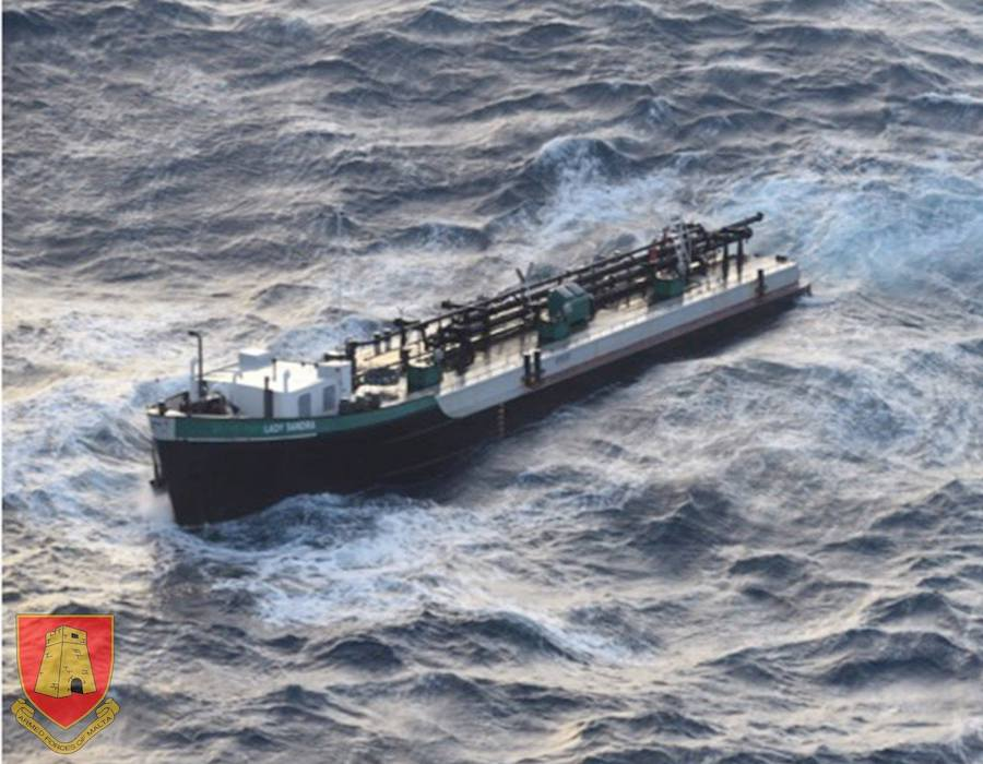 "Malta: Armed Forces rescues crew as rough seas breaks oil tanker ""Lady Sandra"" in two"