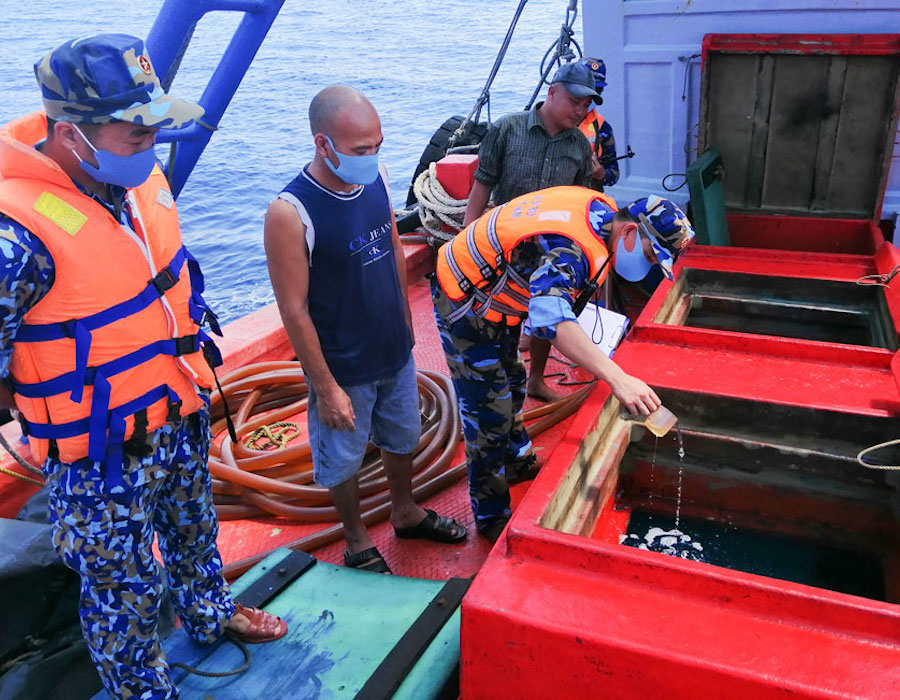Vietnam: Coast guard detains vessel with 50,000 litres of undocumented diesel oil