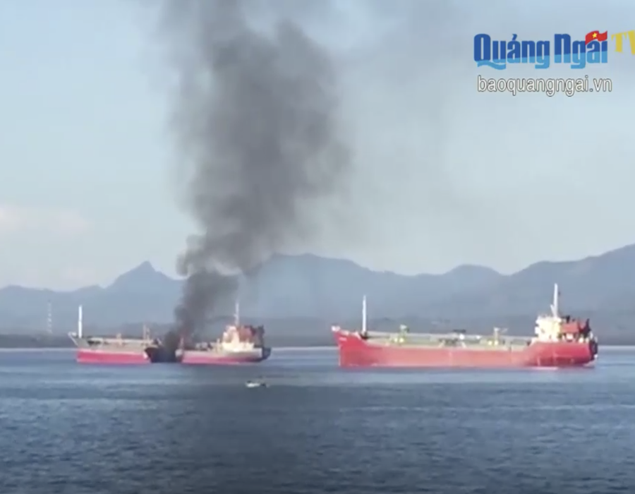 Vietnam: Oil product tanker awaiting bunkering operation explodes; one crew dead