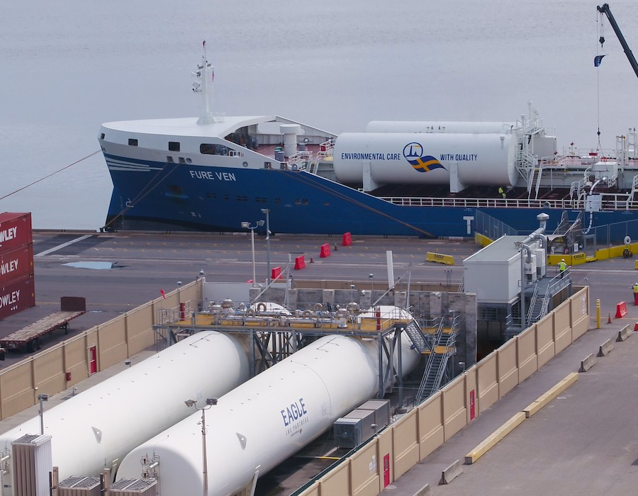 """Fure Ven"" becomes first foreign flagged vessel to receive LNG bunker fuel at a U.S. port"
