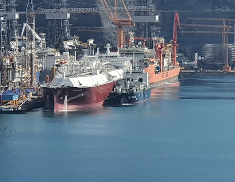 Korean Register and DSME complete world's first ship-to-ship LNG bunker gas trial