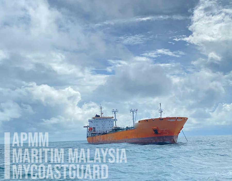 MMEA detains St Kitts & Nevis registered tanker for anchoring illegally in eastern Johor