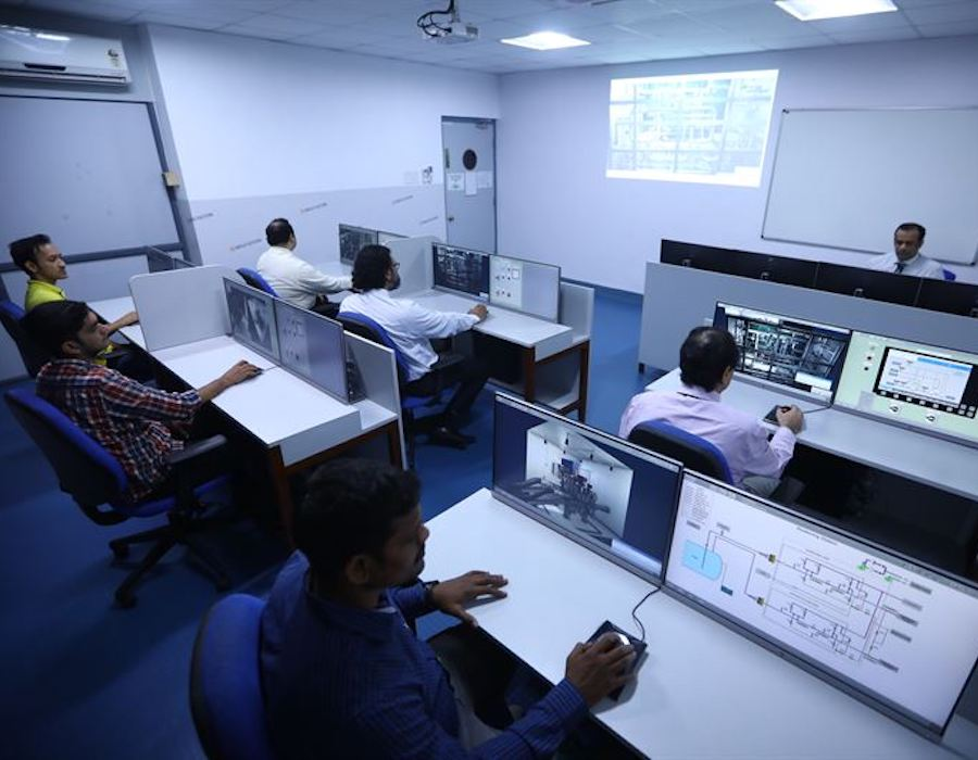 Wärtsilä debuts first LNG bunkering simulator in market with Anglo-Eastern Univan Group