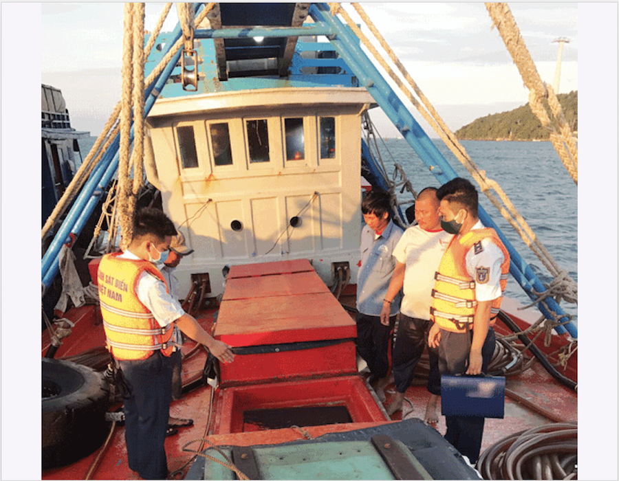 Vietnam: Coast Guards detain repeat offender carrying 140,000 litres of illegal DO