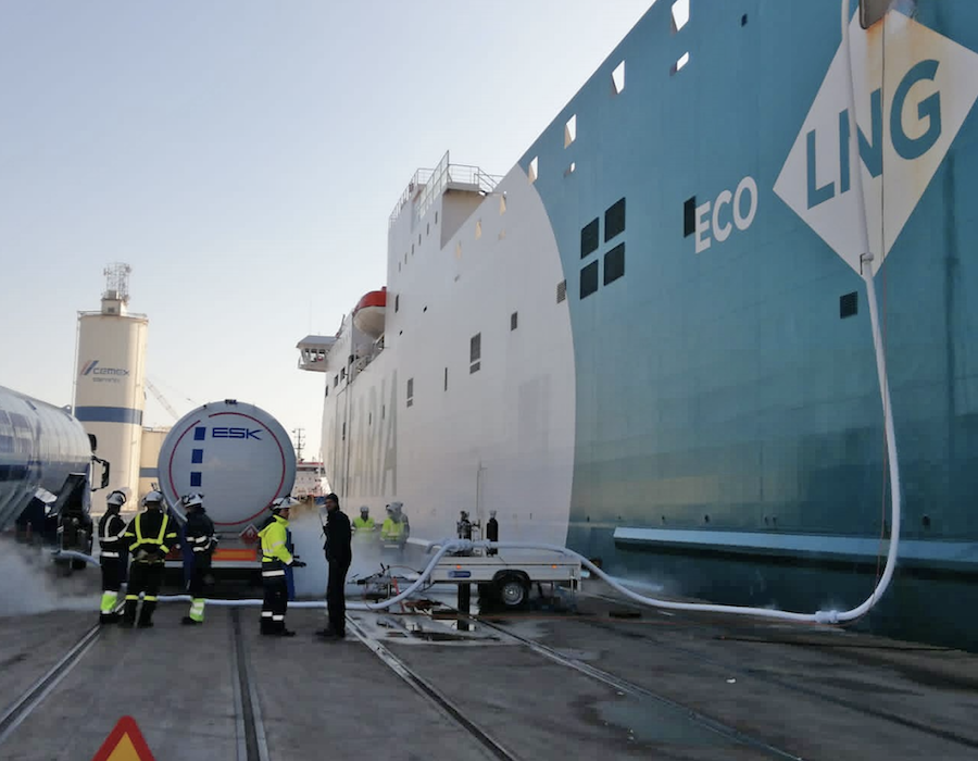 Valenciaport-Baleària partnership boosts port to forefront of LNG bunker supply in Spain