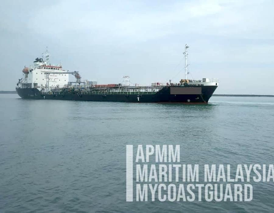 MMEA detains Singapore flagged tanker suspected of illegal oil transfers in Selangor