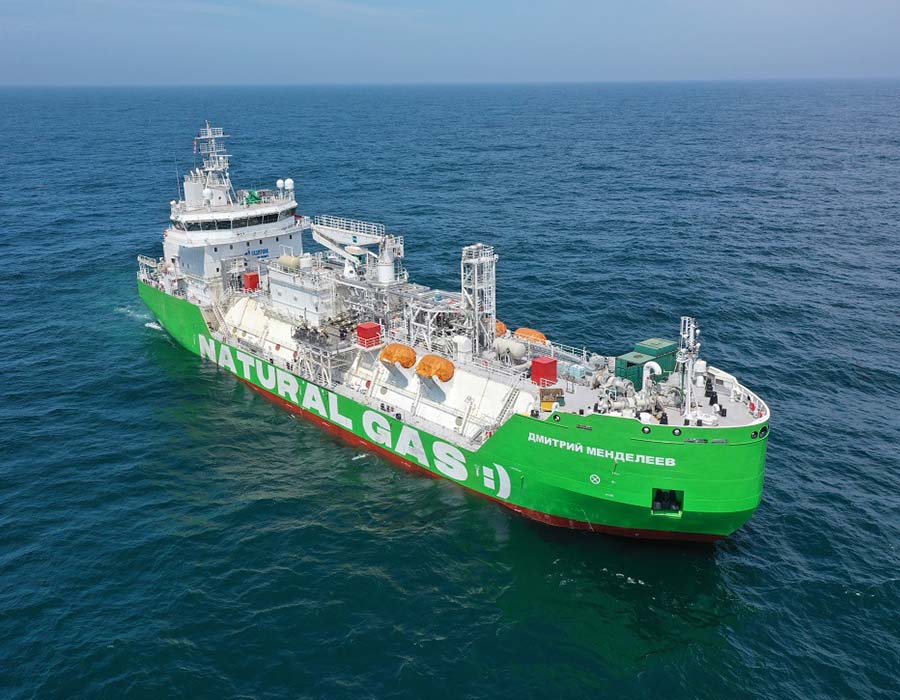 """Gazprom Neft completes construction of Russia's first LNG bunkering vessel """"Dmitry Mendeleev"""""""